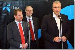 Cel Morten Jonsen, novi generalni direktor Telenora u Srbiji, Jan Edvard Tigesen, potpredsednik Telenor grupe i Stajn Erik Velan, bivsi generalni direktor Telenora u Srbiji1.jpg