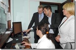 Dragan Djilas,gradonacelnik i Veselin Jevrosimovic,ComTrade u domu zdravlja Barajevo Beograd 2204 2009 phot Predrag Mitic