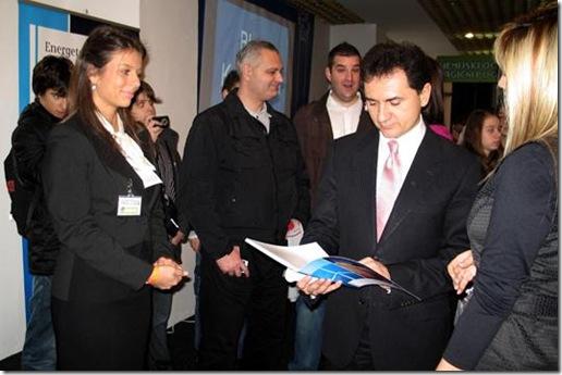 Božidar Đelić, ministar za nauku i tehnološki razvoj, u poseti Siemens-ovom štandu na Festivalu nauke