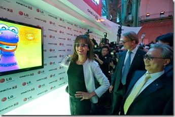 Sofi Marso na LG projekciji na Cinema Cinema 3D televizoru (2)